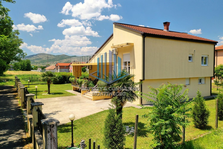 Kuća, 150m2 na placu 1100m2, Donja Gorica, Izdavanje